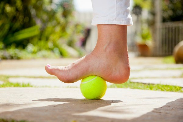 heel bone pain tennis ball
